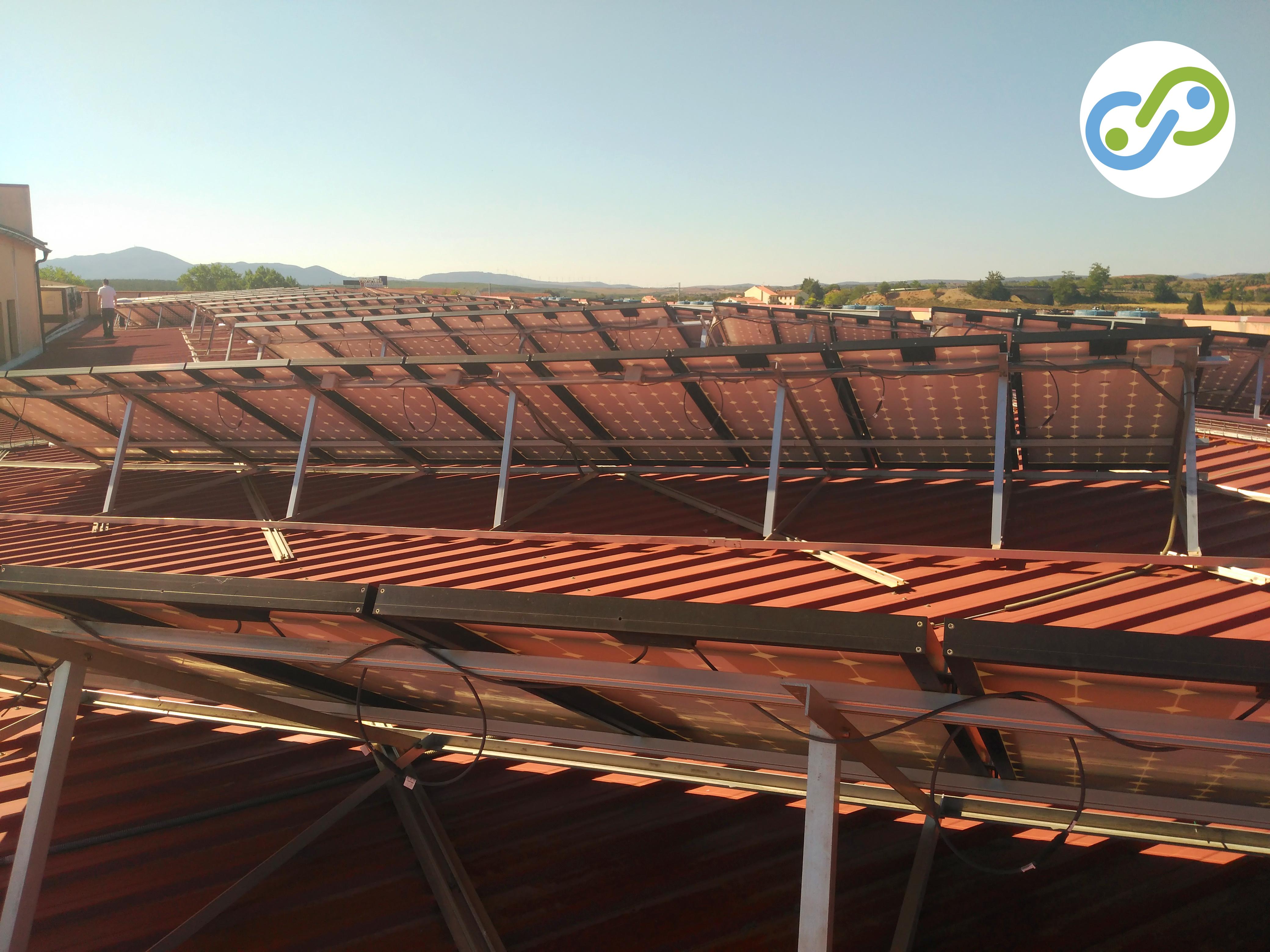 Energía fotovoltaica. Placas solares en Albentosa.
