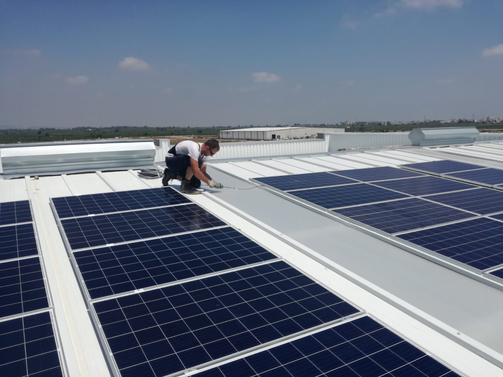 Instalación de autoconsumo fotovoltaico en Alzira - Enersoste S.L. energías renovables Segorbe