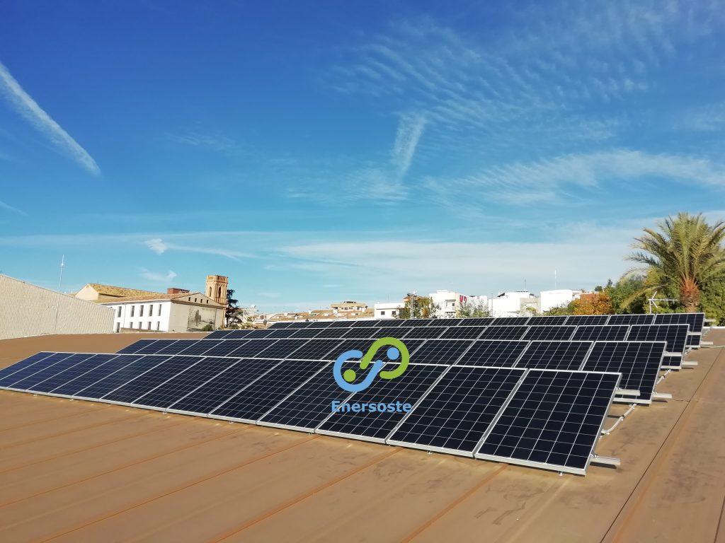 Colocación de placas solares - energía solar - fotovoltaica - Segorbe - Castellón - Enersoste - logo