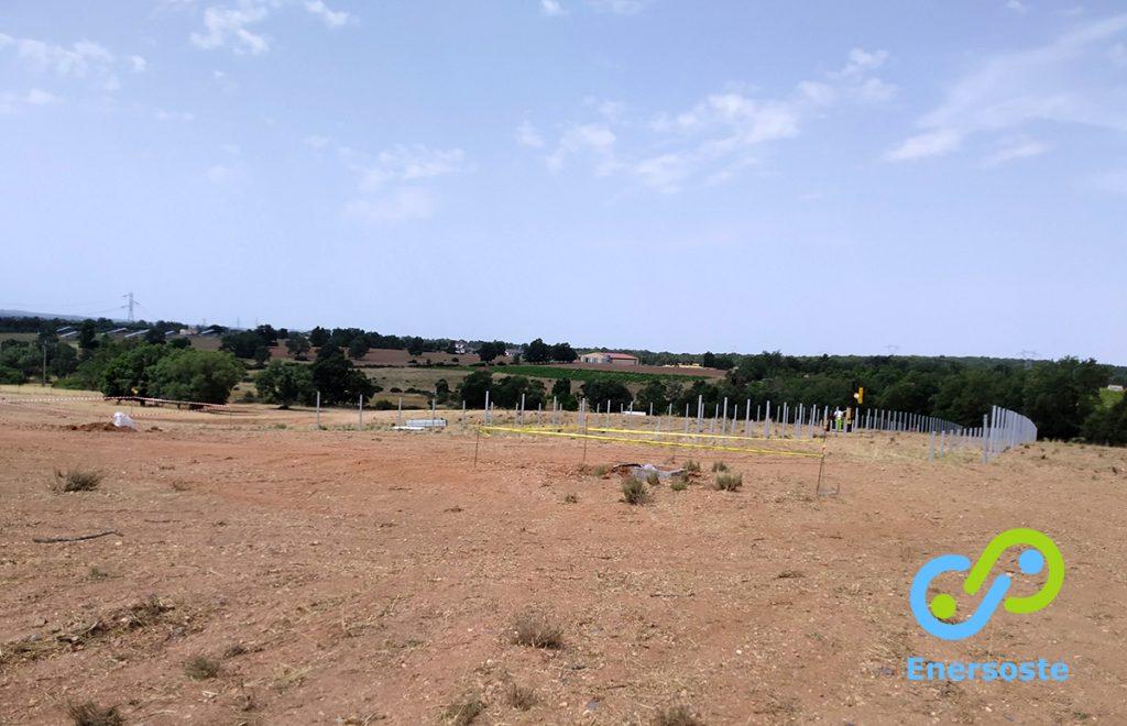 Obras de instalación del parque solar instalado por Enersoste en Zamora