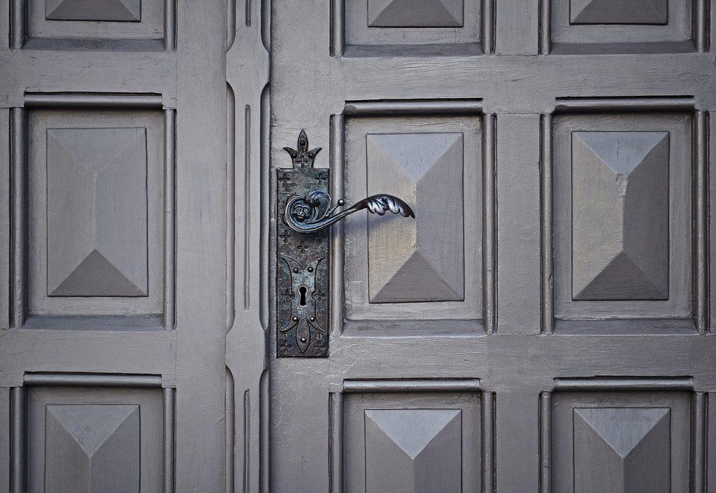 Comercialización de energía puerta a puerta. Consejos para evitar fraudes.