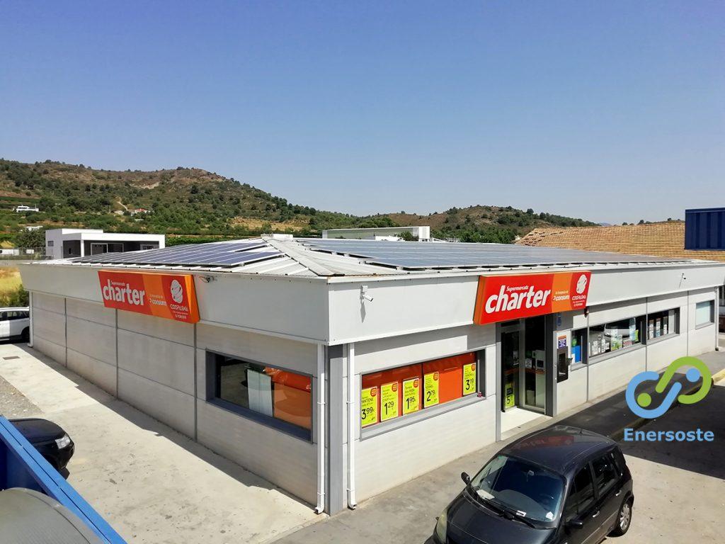 Instalación de autoconsumo energético en la cubierta de un supermercado en Algimia de Alfara