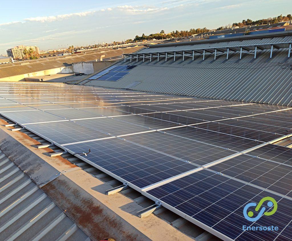 Placas solares industria. Enersoste.